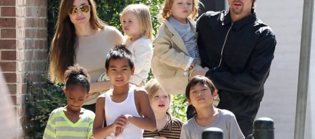 Brad Pitt e família - Foto/Reprodução
