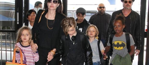 Brad Pitt violent a l'égard de ses enfants.
