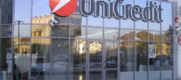 Continua la politica di esternalizzazioni in UniCredit