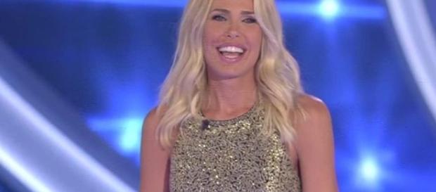 """GRANDE FRATELLO VIP: LA """"IENA"""" BLASI CONQUISTA TUTTI, PRATI E ... - ildecoder.com"""