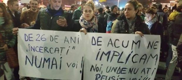 Proteste împotriva senatorilor romani