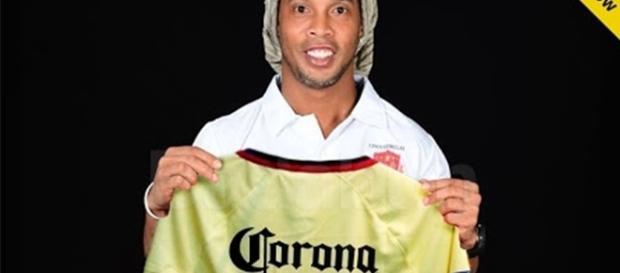 Ronaldinho participira como jugador en el equipo de Mexico Monterey