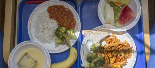 What school lunches look like around the world | Daily Mail Online - dailymail.co.uk