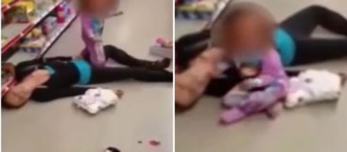 Menina de 2 anos tenta de todas as maneiras, apesar do desespero acordar a sua mamãe que estava caída com overdose