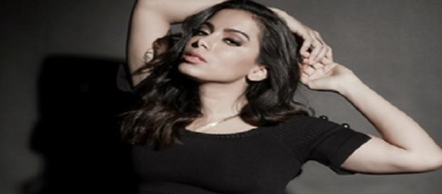 Anitta terá 'repouso absoluto' para tratar de problemas na corda vocal.