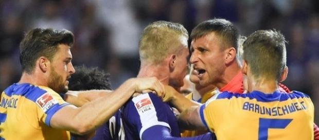 Braunschweig siegt weiter in 2. Liga - Rückschlag für VfB | Kölner / Foto: Sebastian Kahnert
