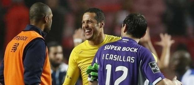 Os goleiros Casillas e Júlio Cesar estão entre as estrelas do Campeonato Português