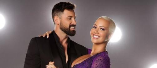 Dancing With the Stars Season 23 has Amber Rose dropping the weight! Photo: Blasting News Library - eonline.com