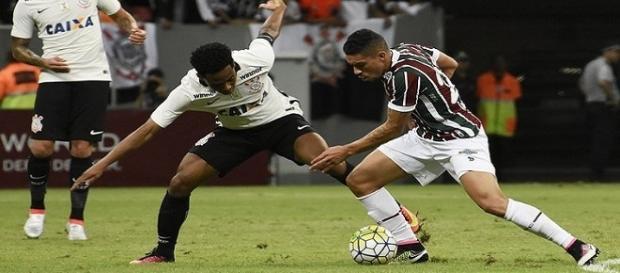 Adversários na Copa do Brasil, Corinthians e Fluminense voltam a se enfrentar, dessa vez pelo Brasileirão (Foto: Arquivo)