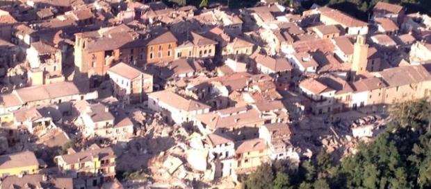 Amatrice dopo il terremoto: foto dall'alto - romatoday.it