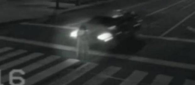 Câmera de segurança flagra fantasma em rua no México.
