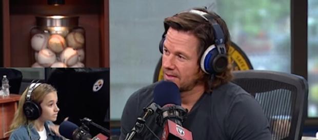 Mark Wahlberg, 45 anni, nel riquadro a sinistra sua figlia Ella, 13 anni.