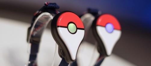 Novo acessório para jogadores de Pokémon Go: A incrível puseira Pokémon Go Plus.