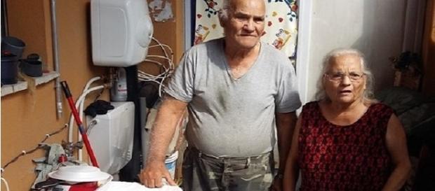 """Calogero Gucciardo e Franca Argenti, la coppia di anziani indigenti protagonisti della vicenda. (Foto da """"Il Tirreno"""")"""