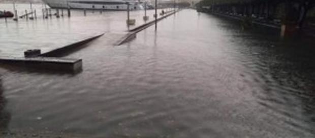 Marina allagata dall'alluvione di ieri a Siracusa.
