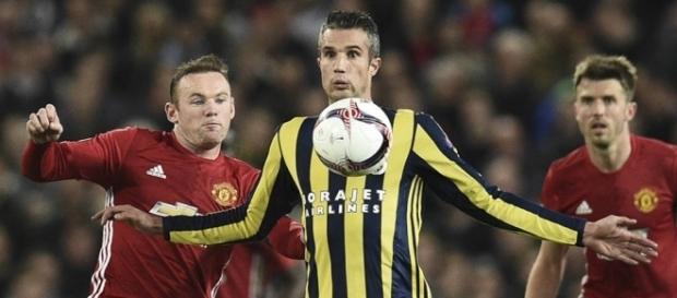 Van Persie foi exaltado pela torcida do United