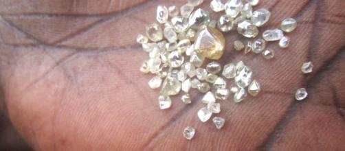 (Photo Credit: 100r.org) Pieces of diamond