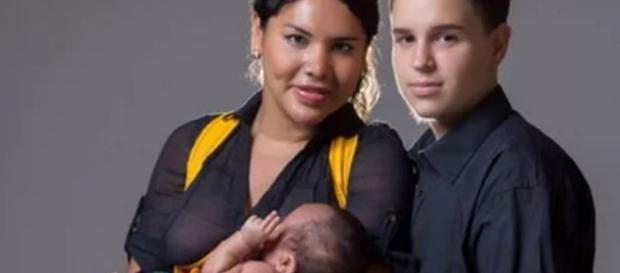 Casal transexual dá à luz a filho
