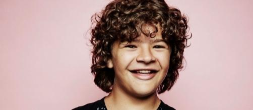 "Dustin from ""Stranger Things"" loves showing off his fake teeth in ... - bloglovin.com"