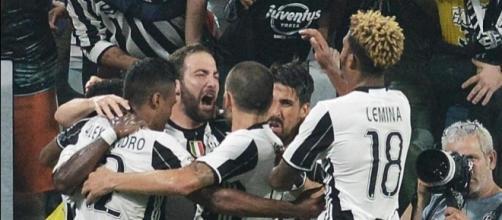 Entra Higuain e segna. Juve-Fiorentina 2-1 - La Stampa - lastampa.it