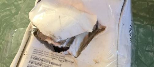 iPhone 7 esploso, le foto pubblicate dall'utente di Reddit 'Kroopthesnoop'