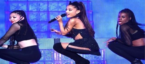 Ariana Grande acaba de anunciar a nova turnê de 2017