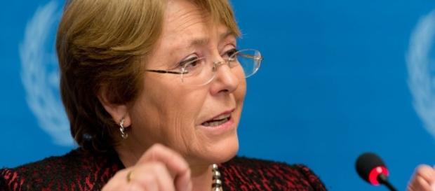 Bachelet se pronuncia contrária ao impeachment de Dilma