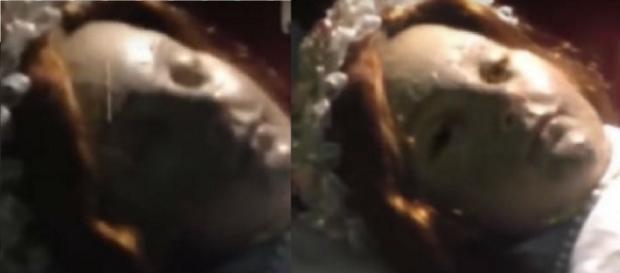 Boneca abre os olhos 300 anos depois