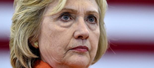 Hillary Clinton strange little behaviors. Photo: Blasting News Library - sott.net