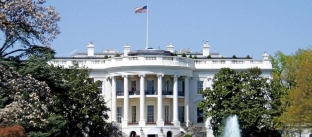 La Casa Bianca avrà presto un nuovo inquilino ma, comunque vada, sembra non piacere agli americani