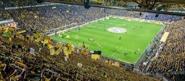 O Borussia Dortmund recebe o Real Madrid, na Alemanha, em um dos principais jogos da rodada.
