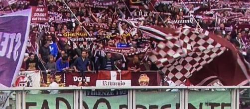 FOTO: l'omaggio dei tifosi del Torino per Fabrizio Taddei – Viola News - violanews.com