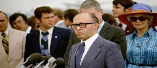 Menachem Wolfovitch Begin, Primo Ministro israeliano dal 1977 al 1983.