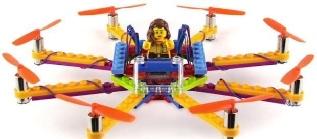 Pas les moyens pour un octodrone ? Faites le vous-même avec LEGO. - ubergizmo.com