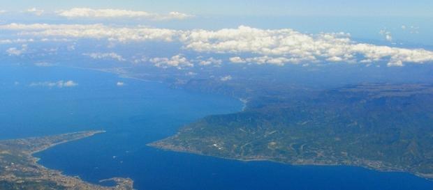 Uno sciame sismico si abbatte sullo Stretto di Messina, dopo che Renzi ha rilanciato il progetto del ponte