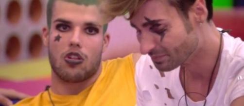 Miguel llora porque dice que no quiere entrometerse entre Adara y Pol