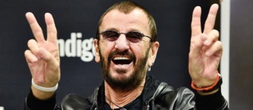 """Ringo Starr graba una nueva versión de """"Now the Time Has Come"""" para celebrar el acuerdo por la paz en Colombia."""