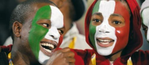 Immigrati regolari in Italia: la situazione attuale - vanityfair.it