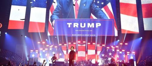 VIDEO: U2 apuesta todo contra Donald Trump en Las Vegas | POSTA - com.mx