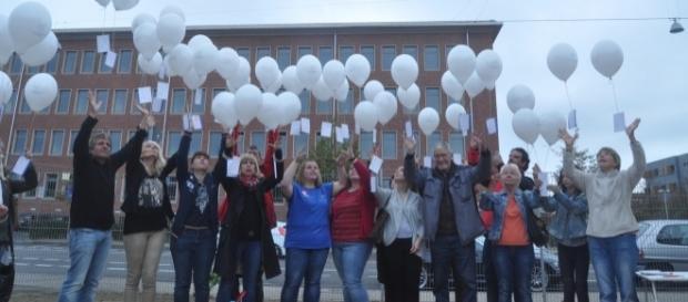 99 Luftballons stiegen für Pascal in den Saarbrücker Himmel. Foto: Standl