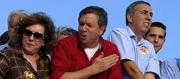 O candidato a prefeito morreu e o vice-governador foi baleado .