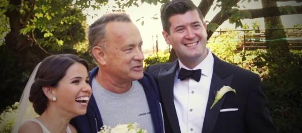 Tom Hanks stupisce coppia di sposi al Central Park