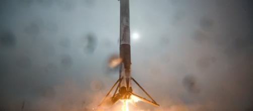 SpaceX: ci sono gli alieni dietro l'esplosione? - blogspot.ch