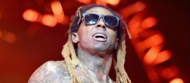 Lil Wayne tweets some concerning messages. Photo: Blasting News Library - HipHopDX - hiphopdx.com