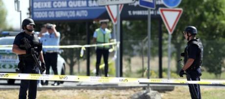 Após despiste em Porto salvo, um dos suspeitos atirou contra os militares da GNR