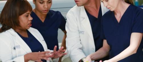 Shonda Rhimes Finally Explains Why Derek Had to Die on Grey's ... - eonline.com