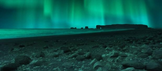 Des aurores boréales ont illuminé la ville de Reykjavik dans la nuit du 28 au 29 septembre. MARK GARLICK /SCIENCE PHOTO LIBRA /Science Photo Library