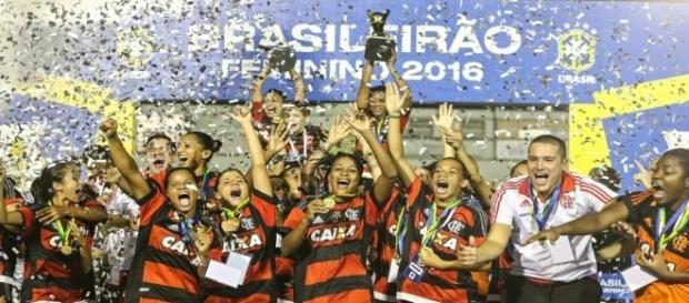 Equipe do Flamengo, campeã brasileira de Futebol Feminino 2016