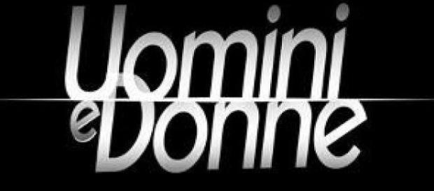 Il logo del programma Uomini e donne