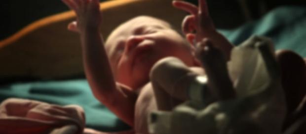 Primeiro bebê do mundo com o DNA de três pais